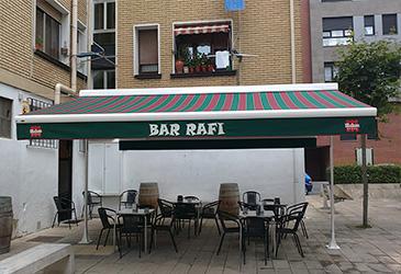 Instalación toldo en Bar Rafi, Bilbotoldo